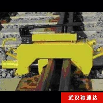道岔尖轨校正器
