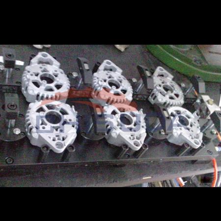 电机盖多工位加工中心气压夹具