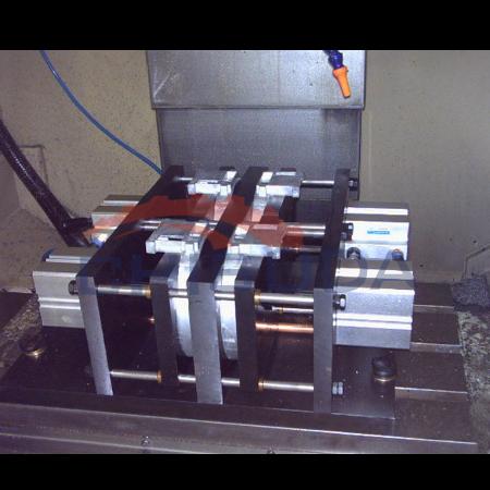 导柱式气压夹具